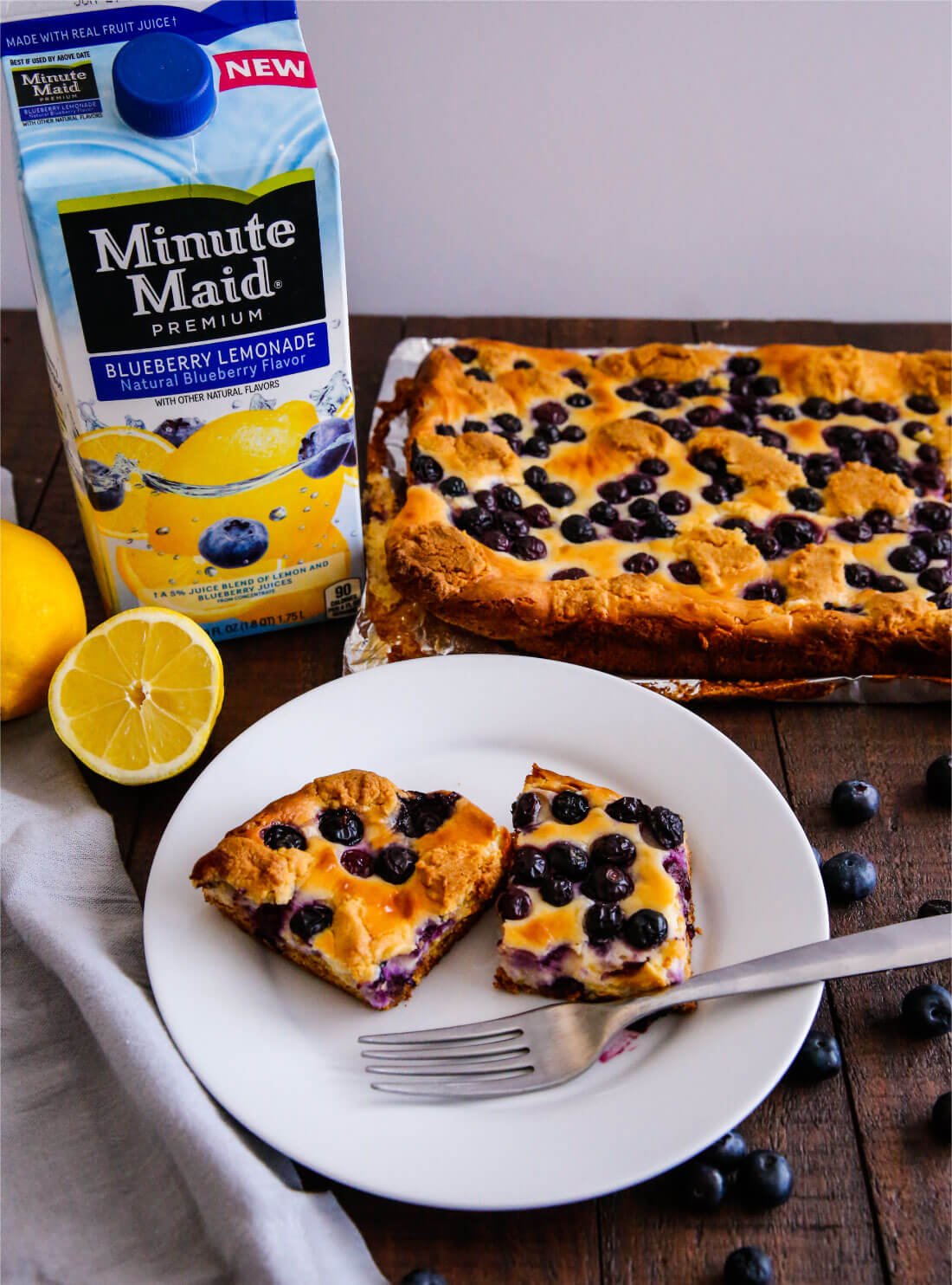 Blueberry Lemon Cheesecake Bars - try this simple and delicious recipe! You'll have a hard time stopping at one piece. via thirtyhandmadedays.com