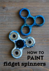 How to Paint Fidget Spinners- a fun activity to do with your kids! www.thirtyhandmadedays.com