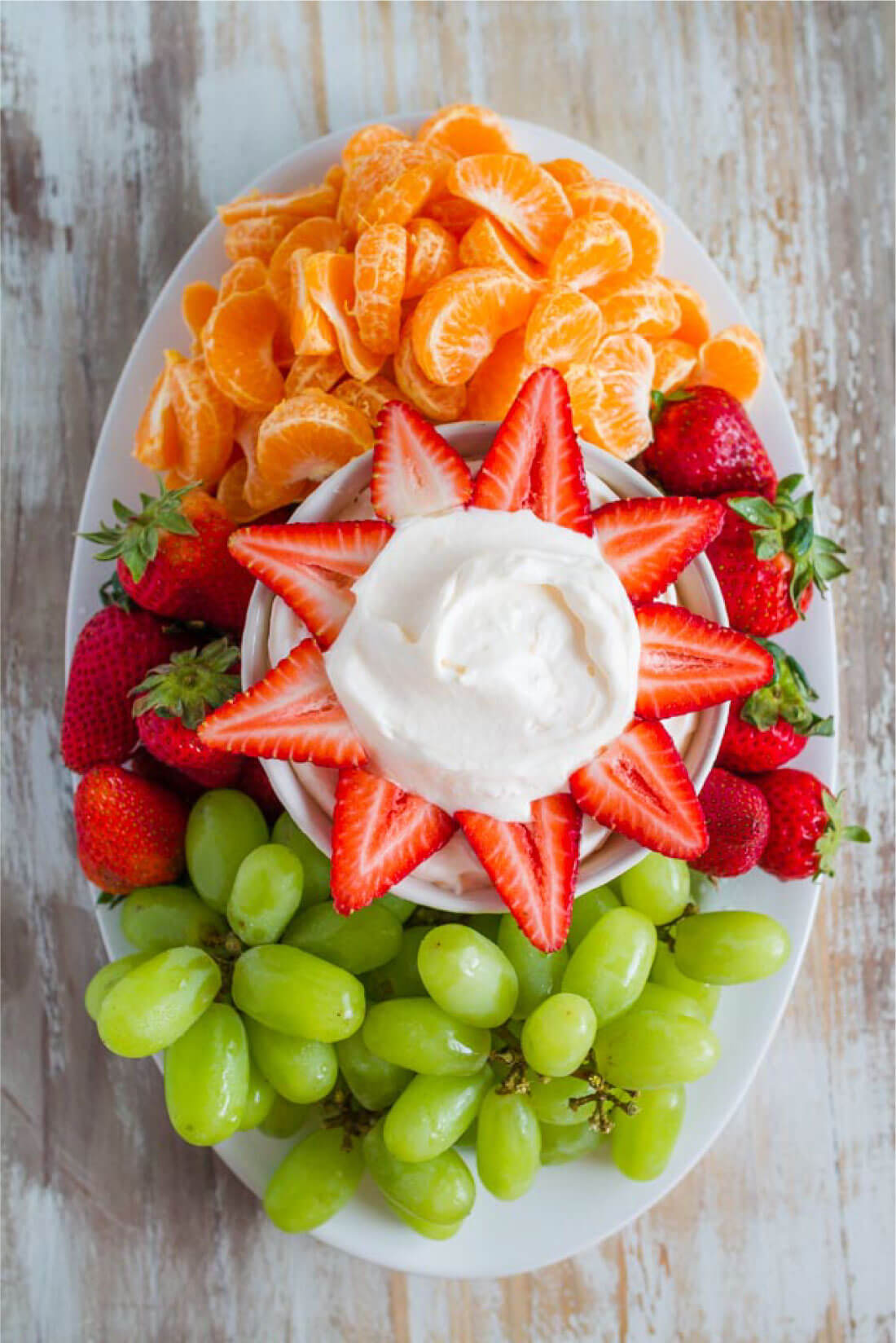 3 Ingredient Peach Fruit Dip is easy to make and absolutely delicious! via thirtyhandmadedays.com