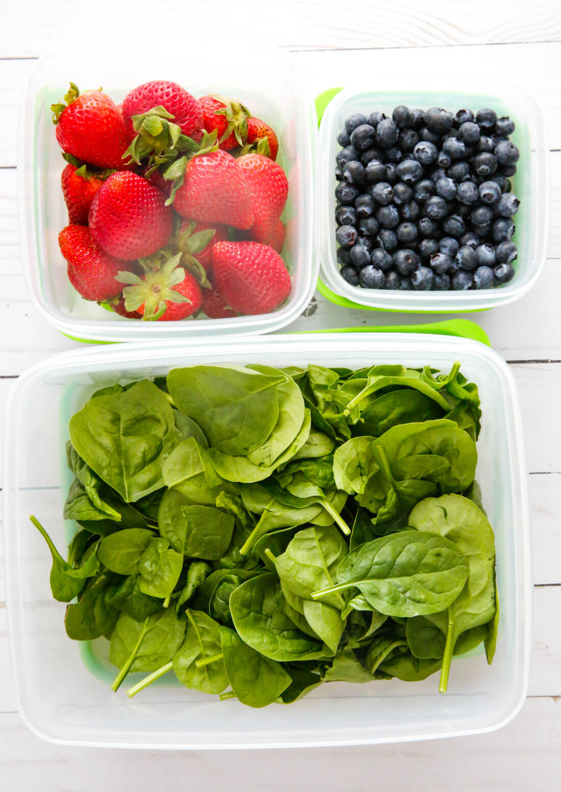 Use the new Rubbermaid FreshWorks ™ Produce Saver to help keep your produce fresher, longer! Going into the fridge on day 1.