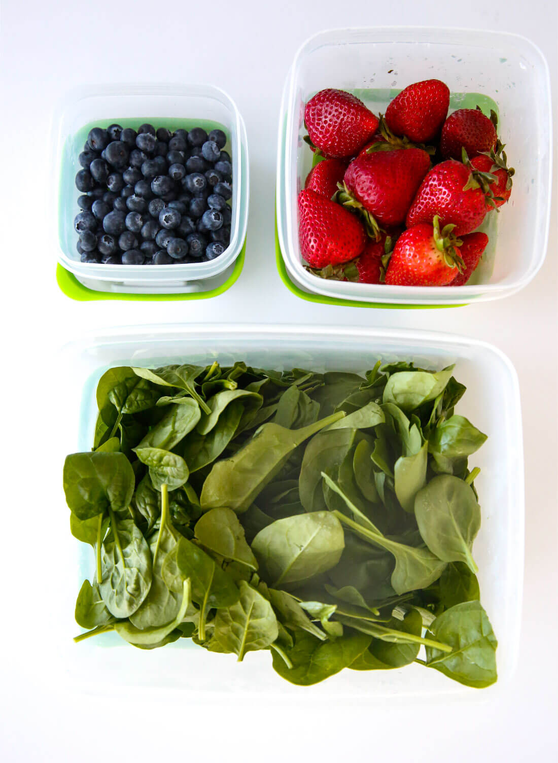 Use the new Rubbermaid FreshWorks ™ Produce Saver to help keep your produce fresher, longer! Coming out of the fridge a week later.