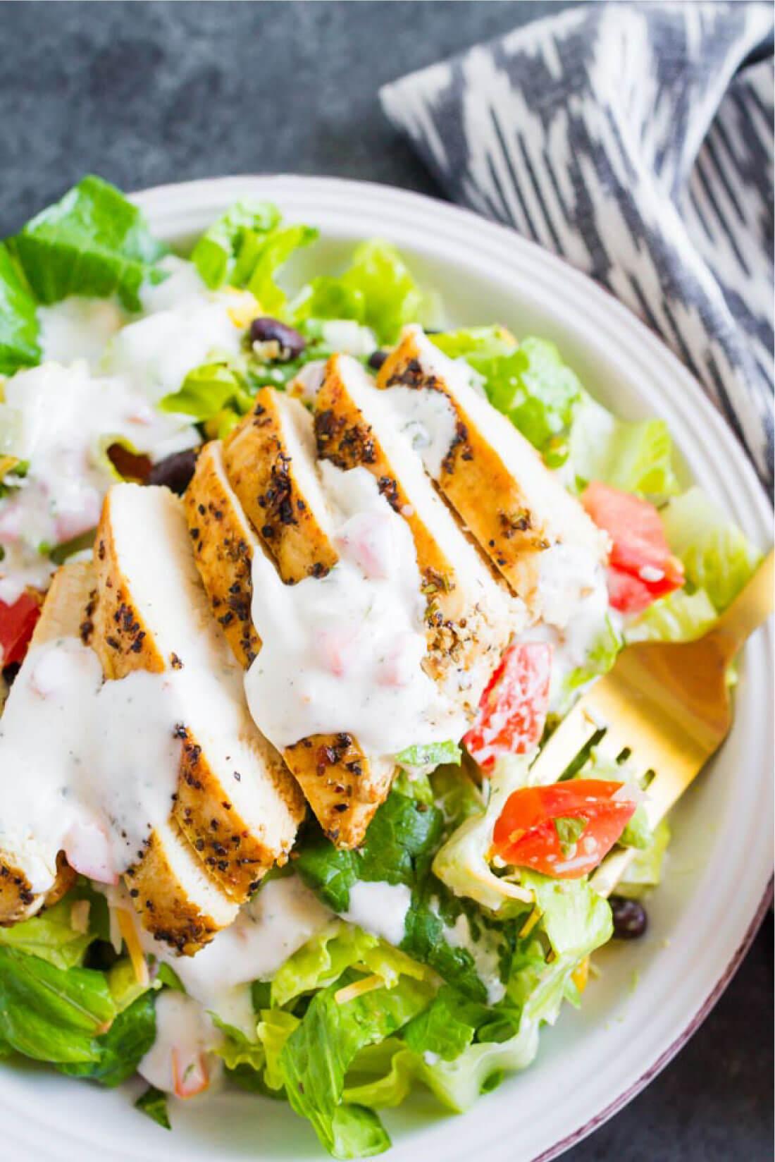 Santa Fe Chicken Salad - a simple, refreshing salad recipe that's perfect for summer! www.thirtyhandmadedays.com