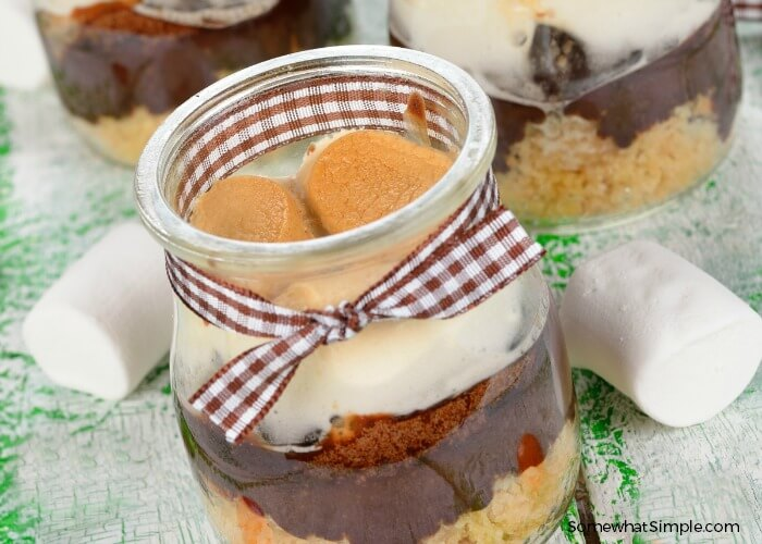 An easy summer recipe - S'mores in a Jar - delicious too!  From Steph of Somewhat Simple