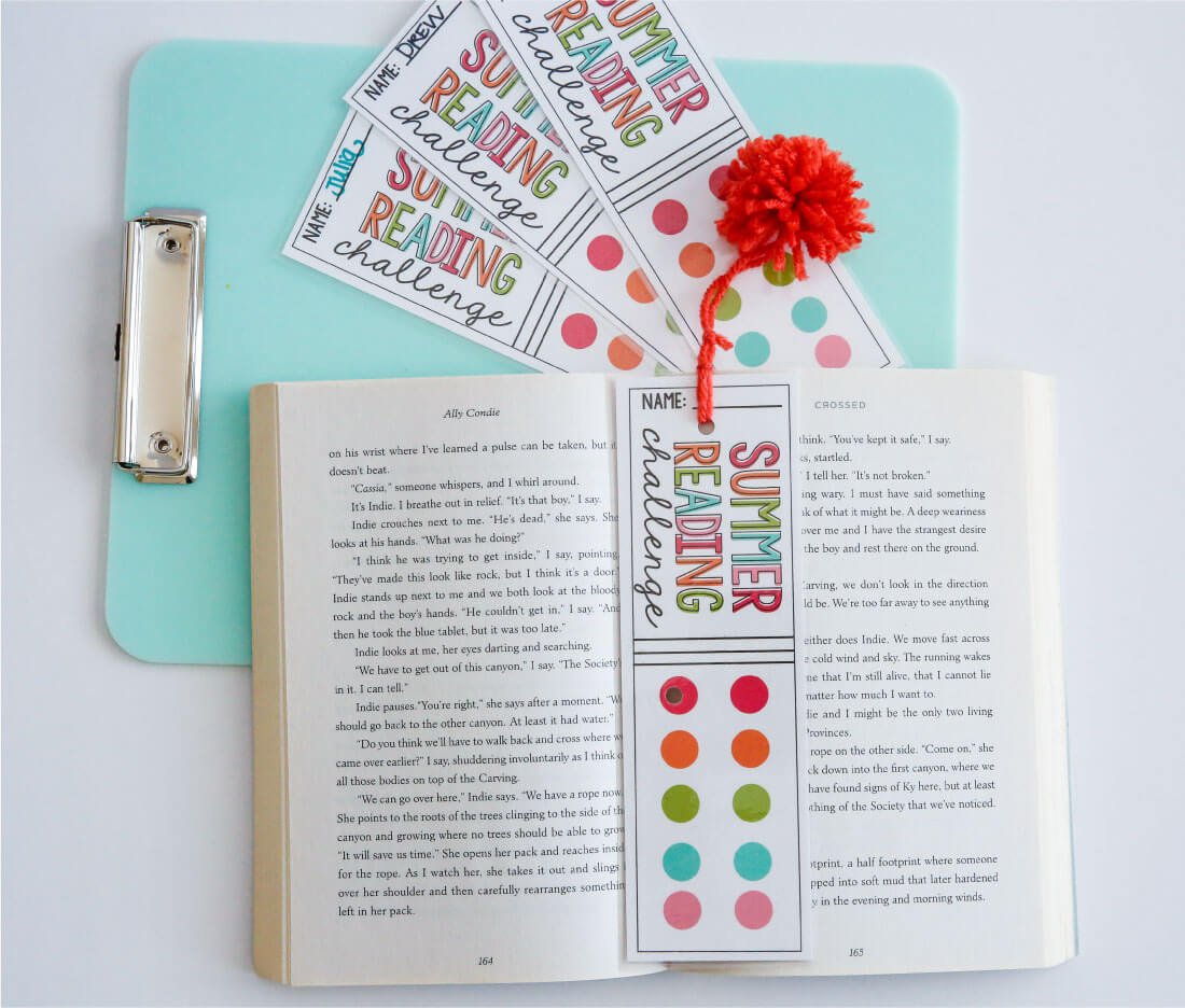 Printable Summer Reading Challenge Bookmarks - use these bookmarks to encourage reading this summer! via www.thirthyhandmadedays.com