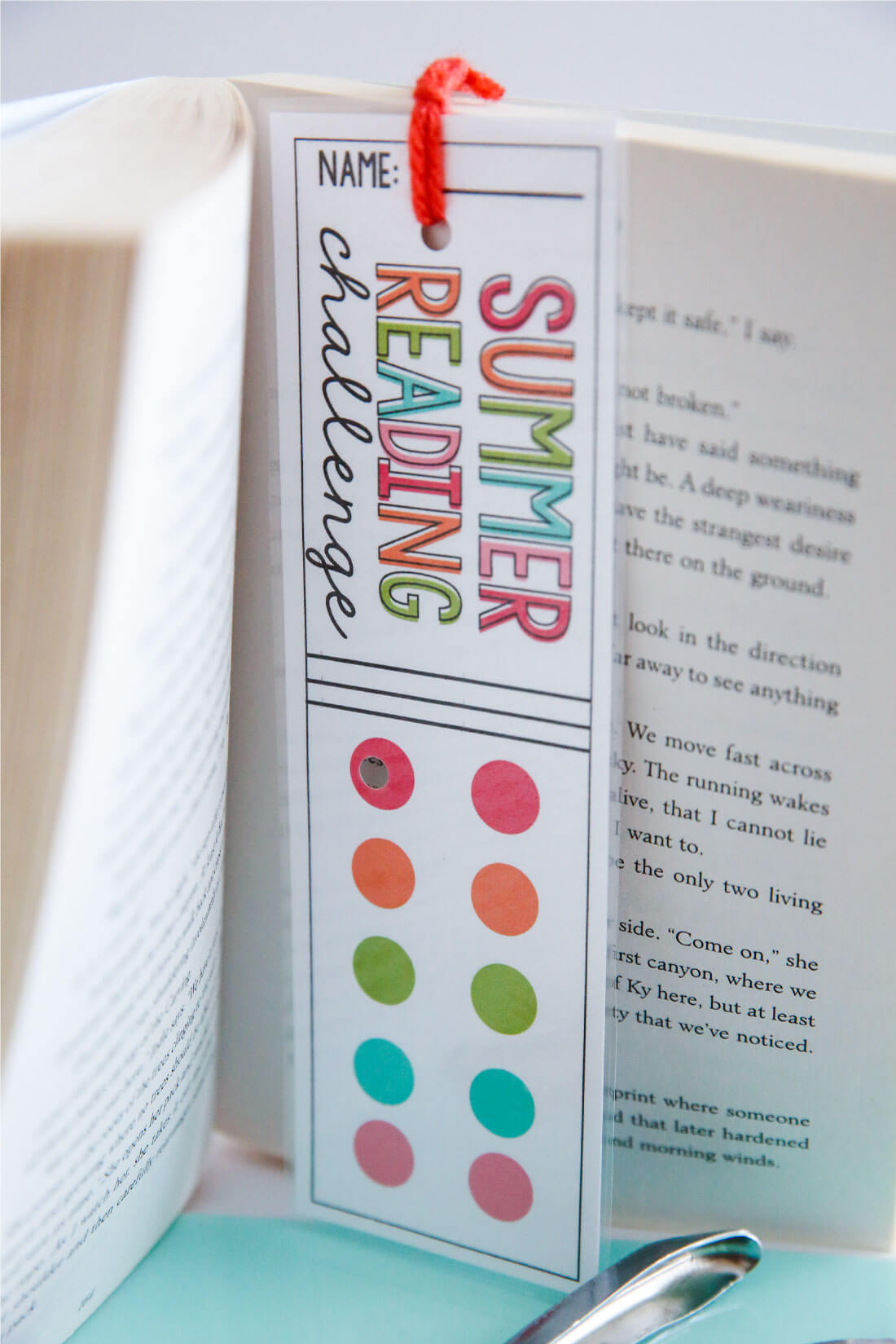 Printable Summer Reading Challenge Bookmarks - use these bookmarks to encourage reading this summer! www.thirthyhandmadedays.com