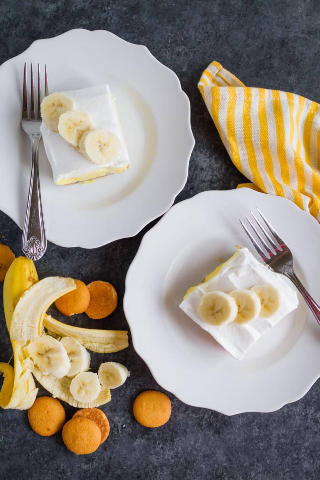 The most delicious Triple Layer Banana Cream Pie Bars - a good, easy dessert recipe from thirtyhandmadedays.com