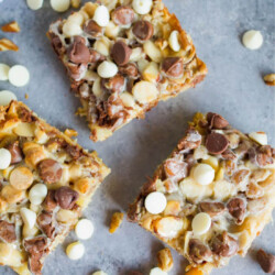 Melt In Your Mouth Magic Bars - you only need a few ingredients to make this amazing dessert. via www.thirtyhandmadedays.com