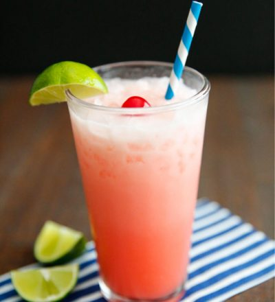 Creamy Shirley Temple - simple and delicious drink recipe. It's so refreshing! www.thirtyhandmadedays.com
