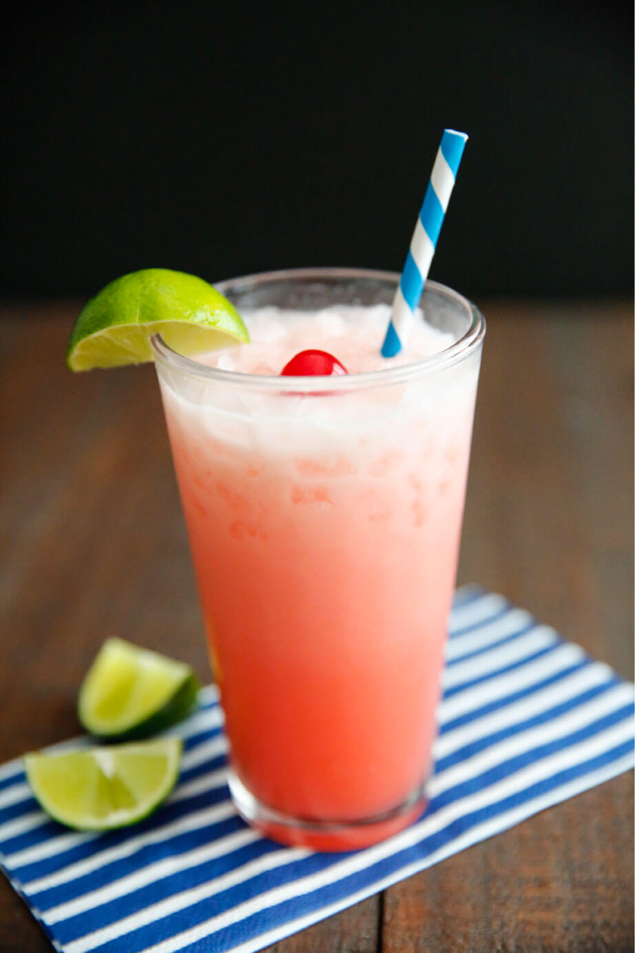 Creamy Shirley Temple drink- simple and delicious drink recipe. It's so refreshing! www.thirtyhandmadedays.com