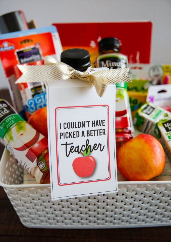 Make a care package for your teacher for back to school with these cute teacher tags! Free printable from www.thirtyhandmadedays.com