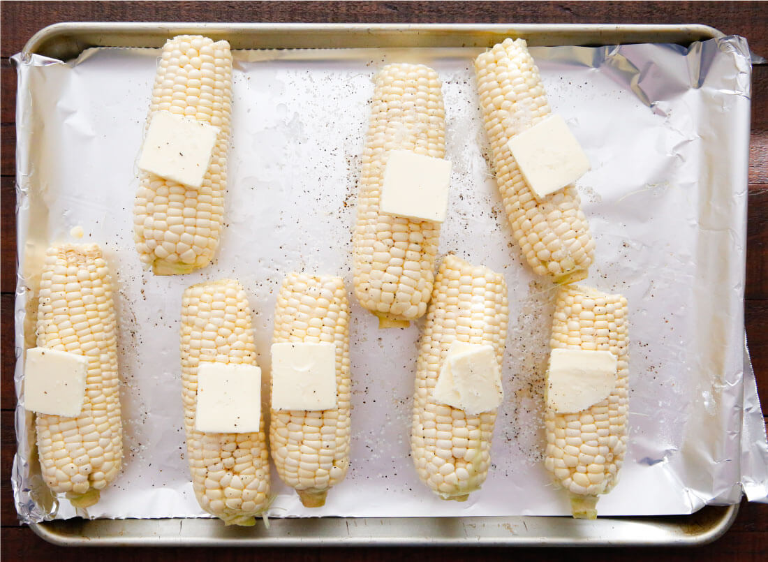 How to make the best corn on the cob - oven baked! www.thirtyhandmadedays.com