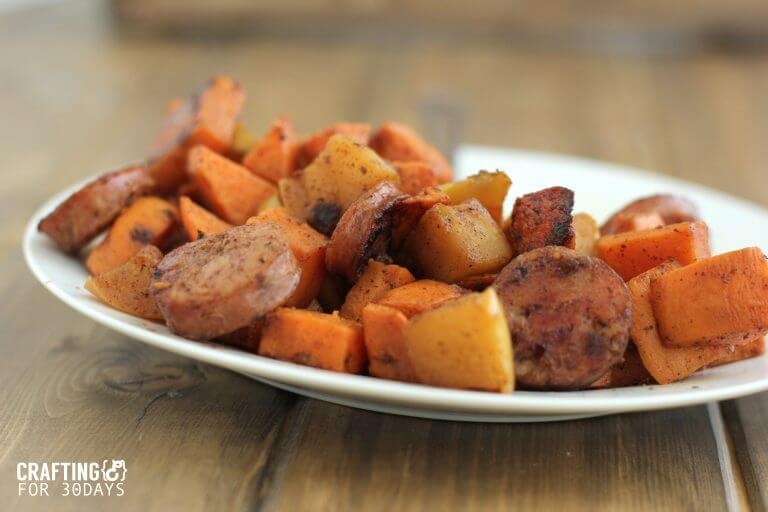 Delicious and Easy Apple, Sausage, Sweet Potato Skillet - this healthy side dish will be your new family favorite! www.thirtyhandmadedays.com