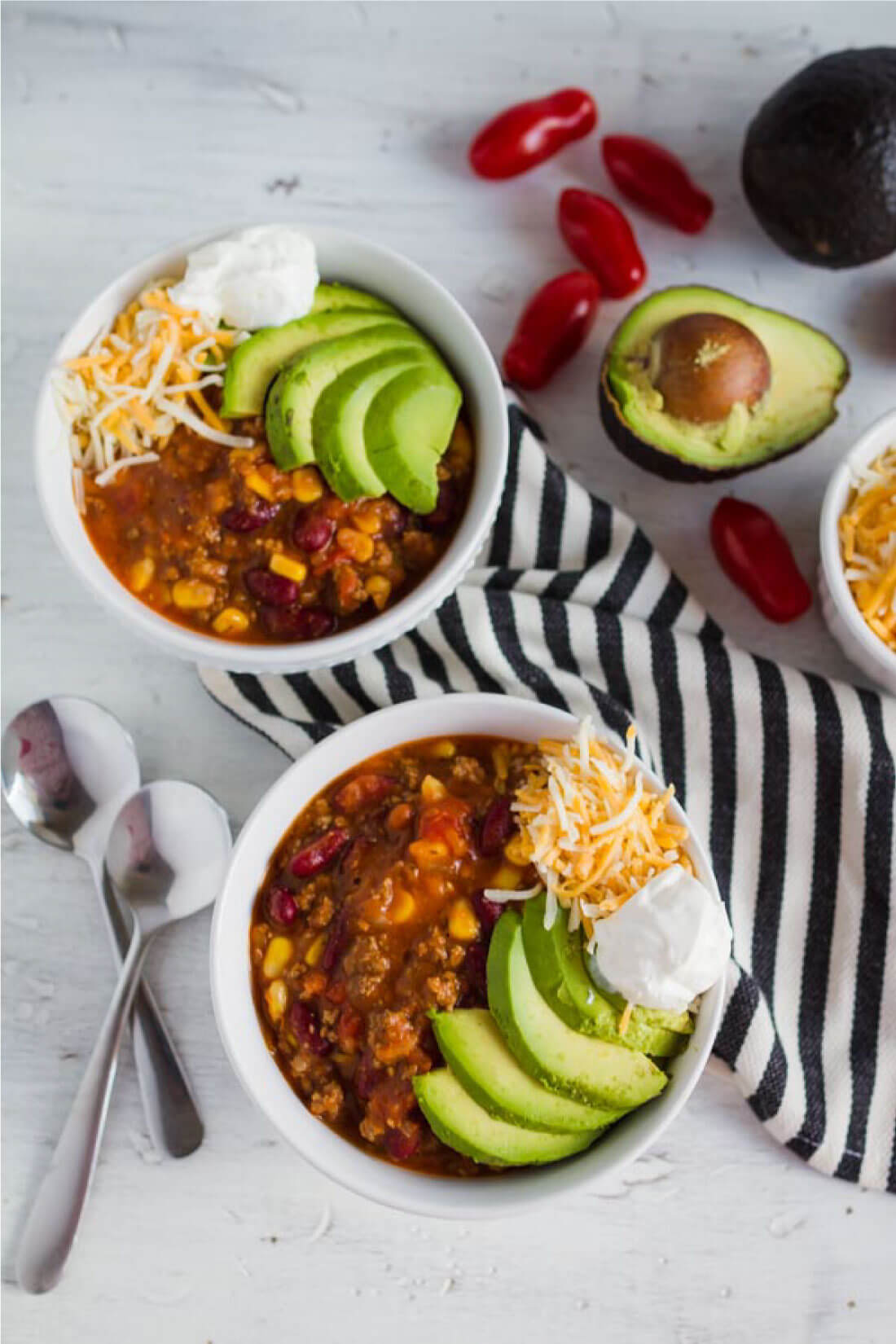 Mom's Taco Soup - a super easy main dish recipe where you throw all the ingredients in the pot and let it simmer. www.thirtyhandmadedays.com