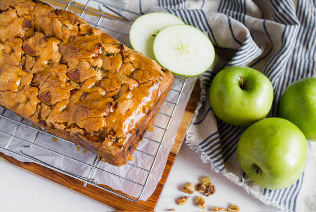 Apple Cake with a delicious caramel topping - make this apple cake recipe and you'll fall in love with it. Perfect for fall! via www.thirtyhandmadedays.com