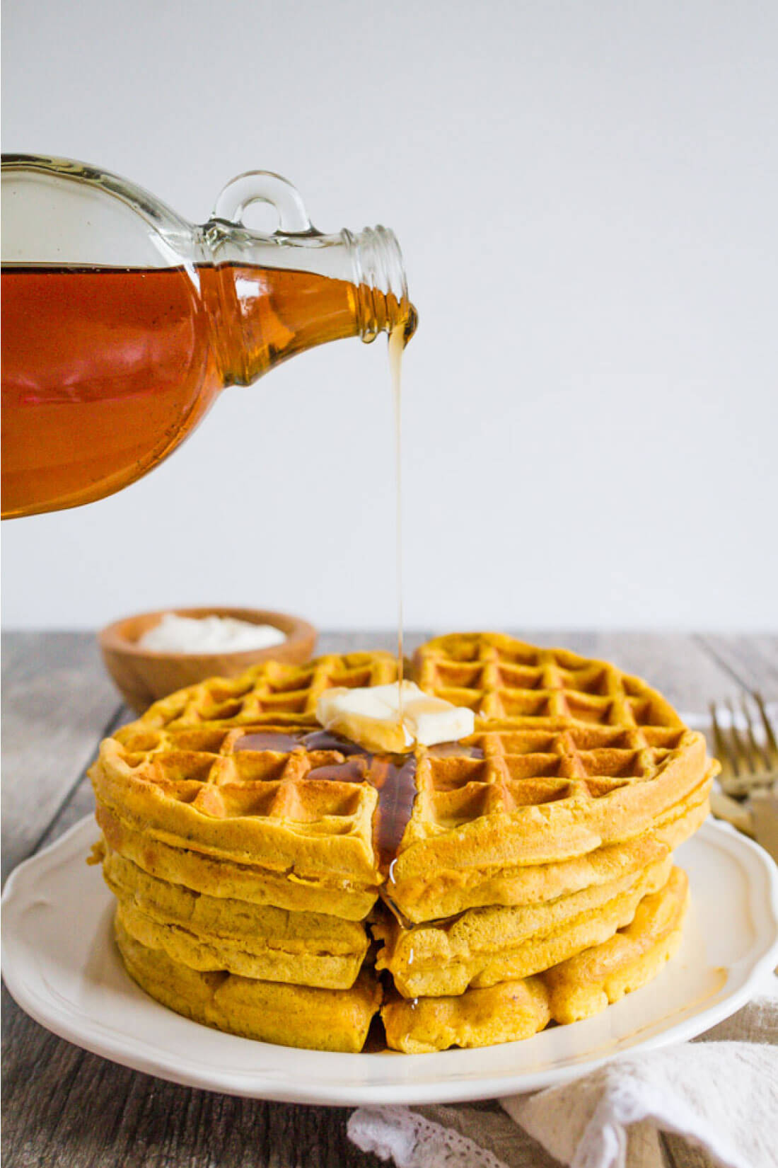 Pumpkin Waffles - this waffle recipe is so good and perfect breakfast for the fall! from www.thirtyhandmadedays.com