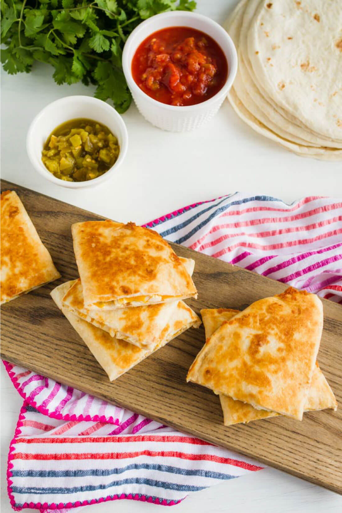 Green Chile Chicken Quesadilla Recipe - an easy to make dinner that the whole family will love. from www.thirtyhandmadedays.com