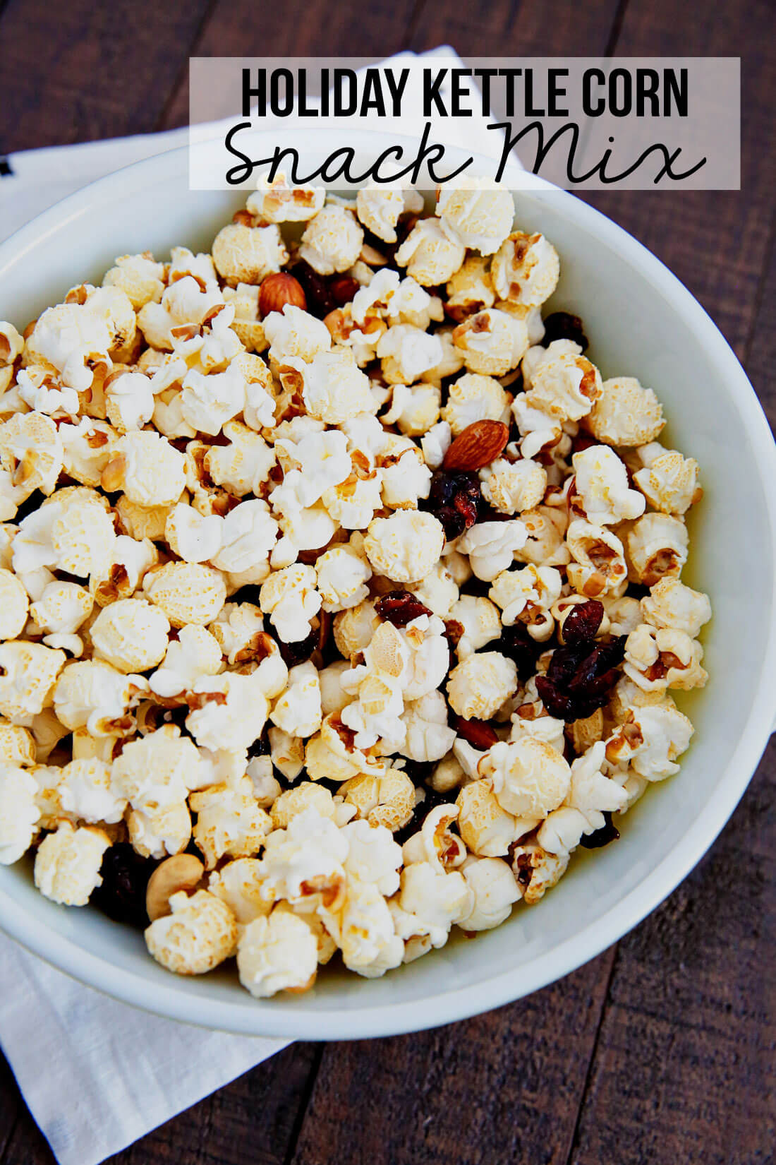 Holiday Kettle Corn Snack Mix - make this treat for friends and neighbors for Christmas! from www.thirtyhandmadedays.com