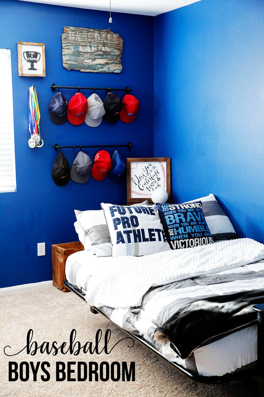 Boys Bedroom Ideas- create a fun baseball space for your athlete! www.thirtyhandmadedays.com