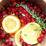 Stovetop Christmas Potpourri - make this and your house will smell AMAZING! It's like Christmas in a pot. Mmmmmmmm. via www.thirtyhandmadedays.com