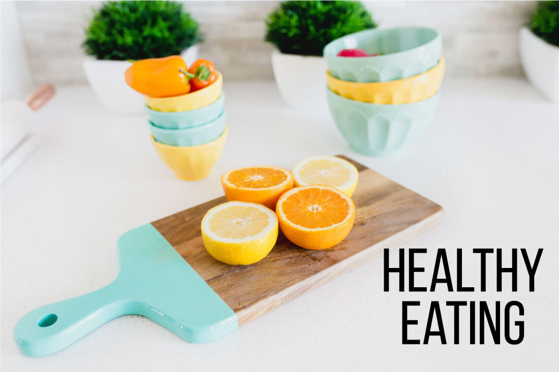 Guide to New Year Resolutions - full guide of everything you could want to tackle this year! Healthy eating. www.thirtyhandmadedays.com