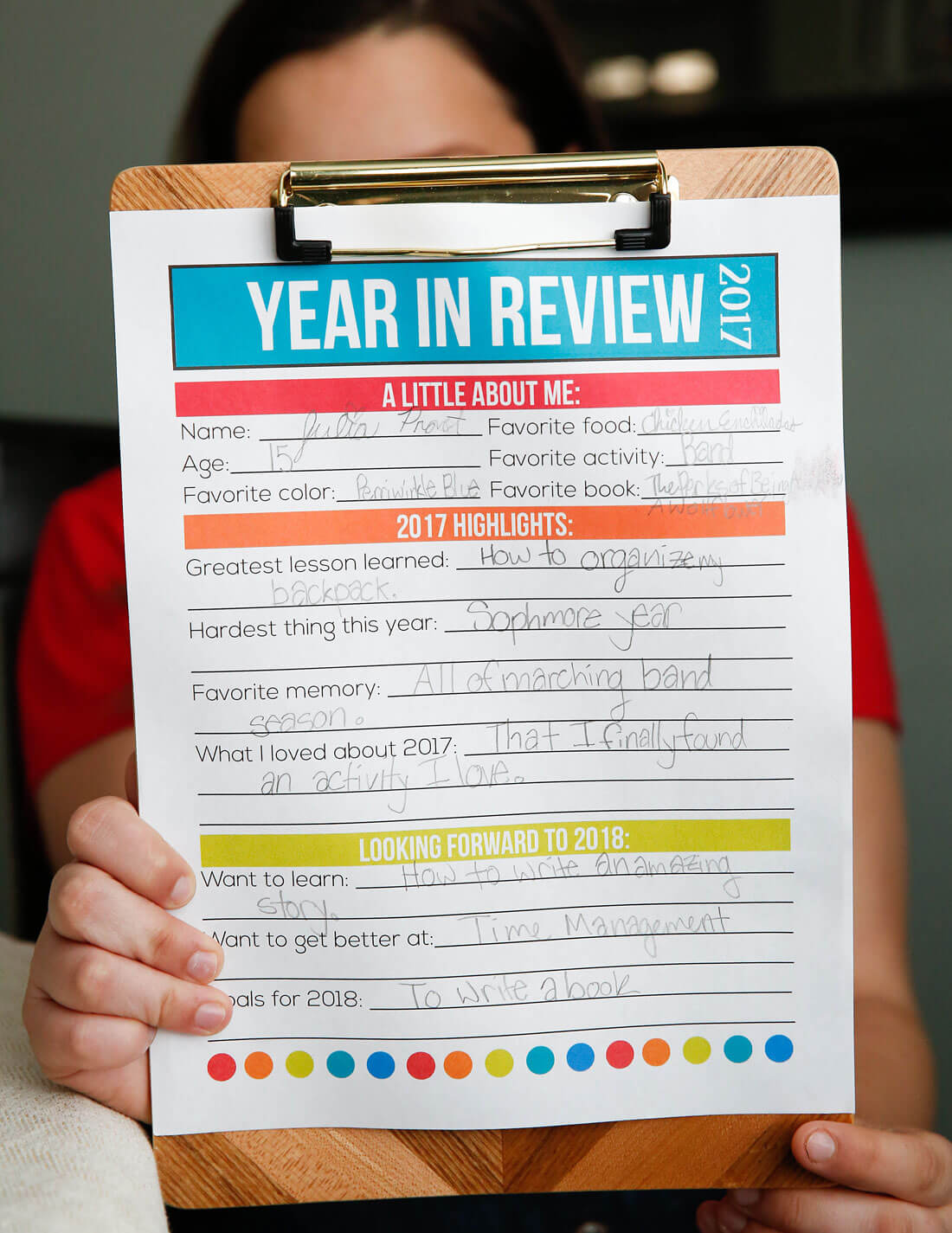 Printable Year in Review - a great way for kids to do new year's resolution - finished resolutions