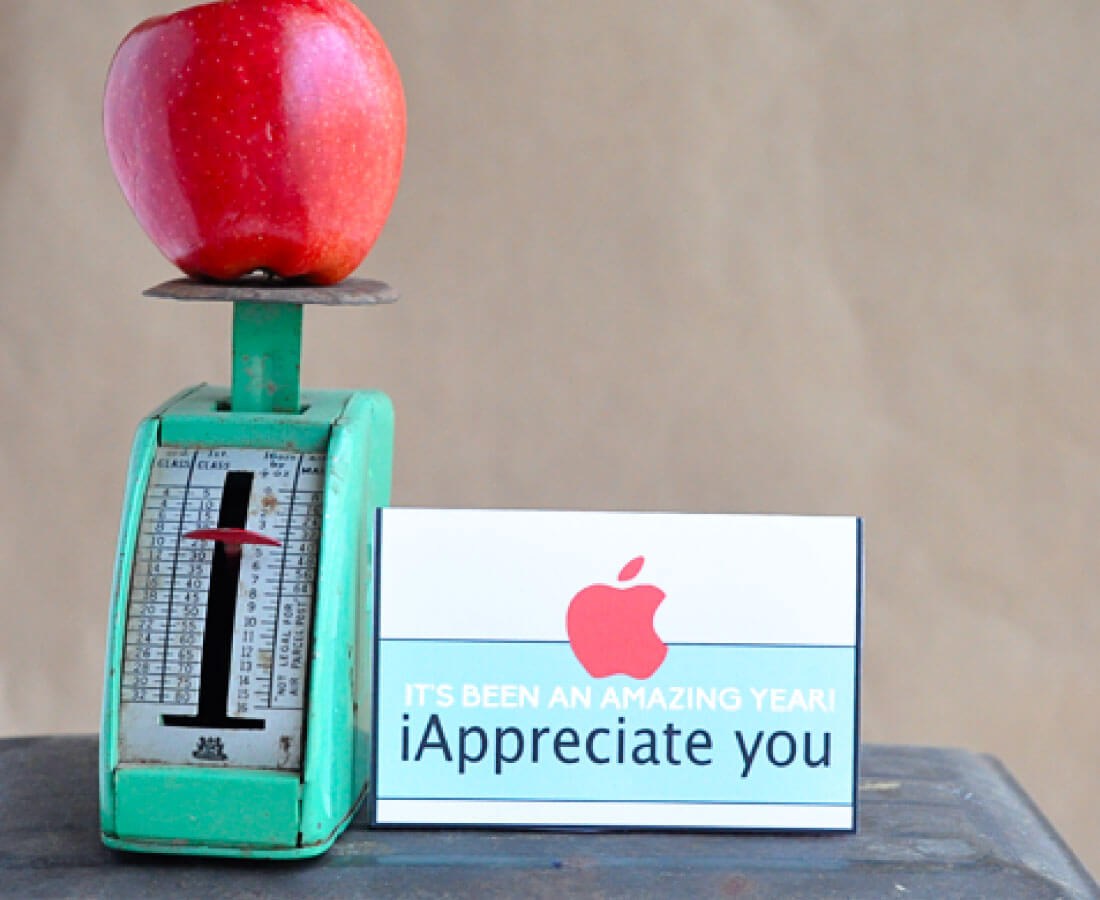 Teacher Appreciation Gifts - a whole bunch of ideas in one spot to help the teacher in you life feel special. Apple gift card template.