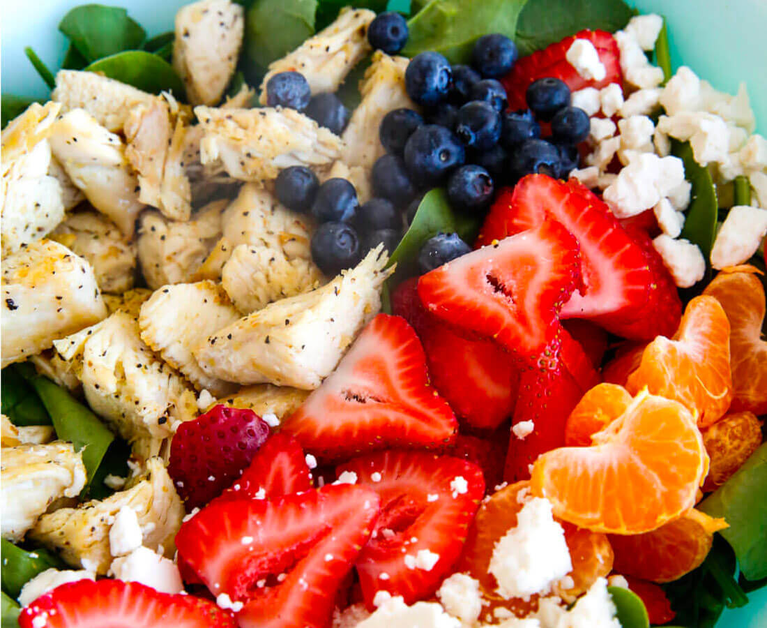 Healthy Dinners - make this Berries and Spinach Salad