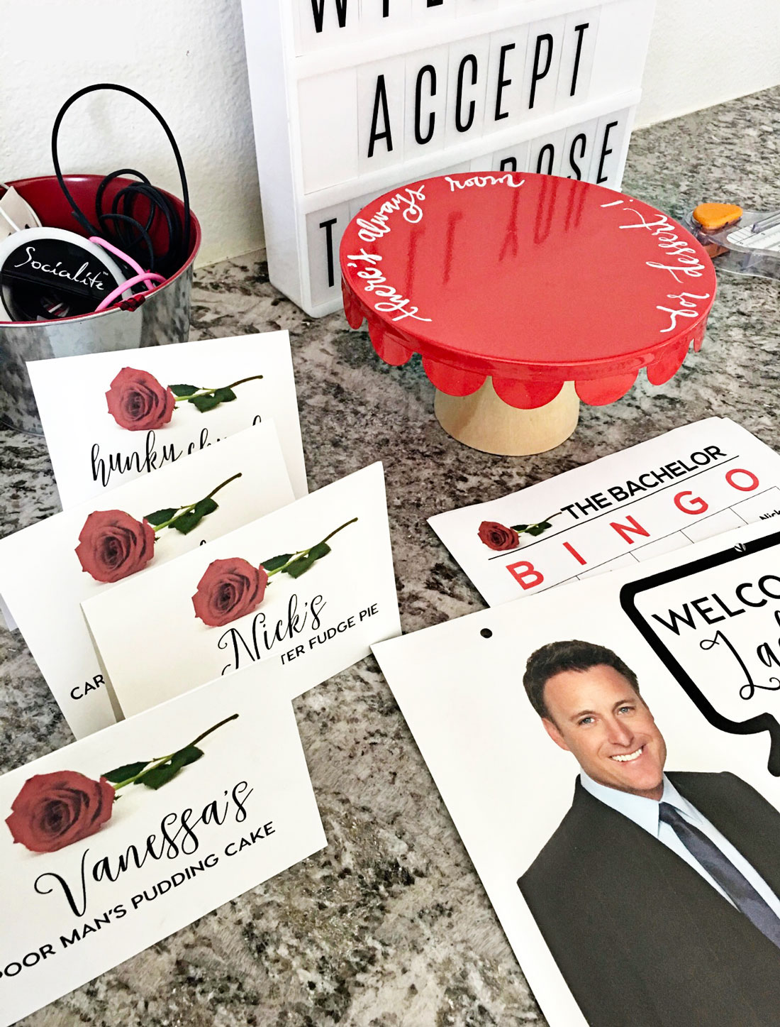 the Bachelorette Finale - includes printables to throw a party with your friends. www.thirtyhandmadedays.com