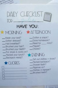 Kids Daily Checklist - use this editable printable to help your kids be more responsible and organized.