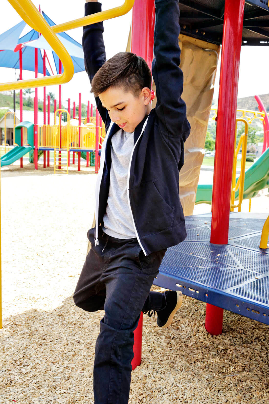 How to make a capsule wardrobe for kids - perfect for back to school! Playing on the playground with Abercrombie Kids