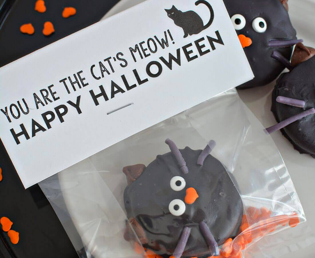 Halloween Printables: print out these cute cat's meow bag toppers