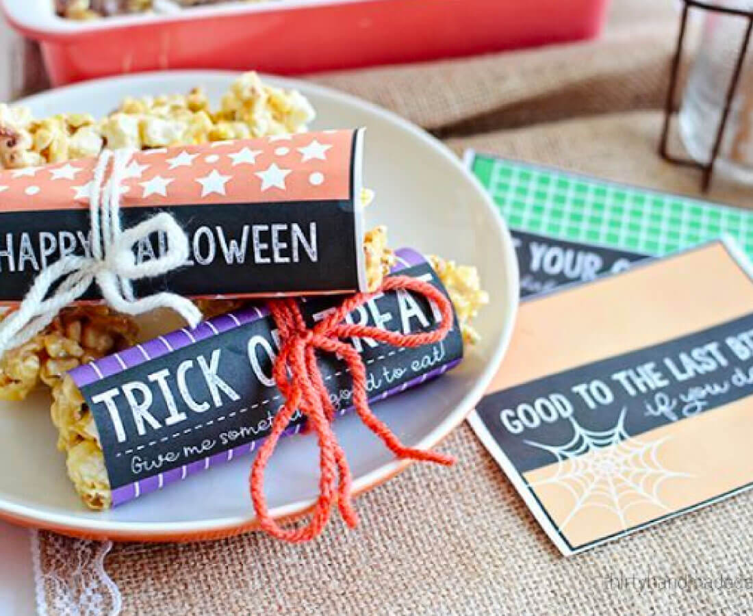 Halloween Printable: print out these candy wrapper bars