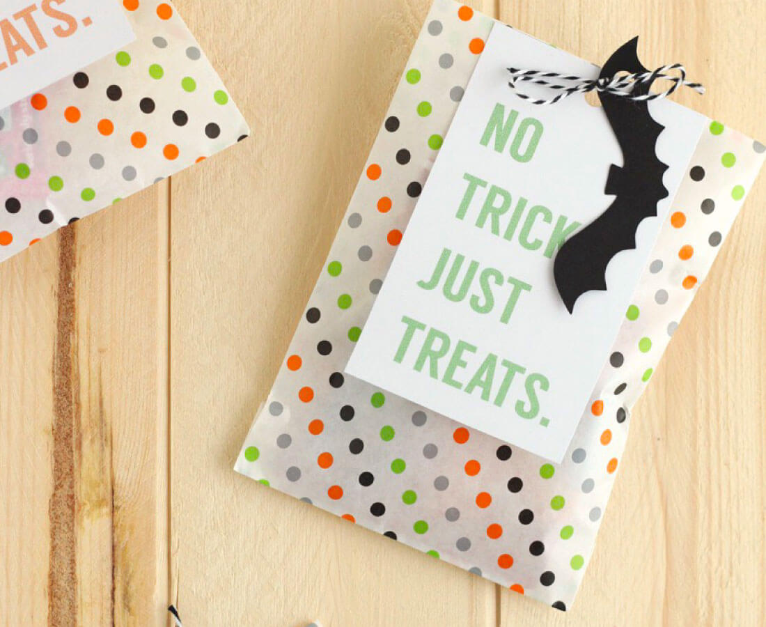 Halloween Printable: print out these gift bag tags