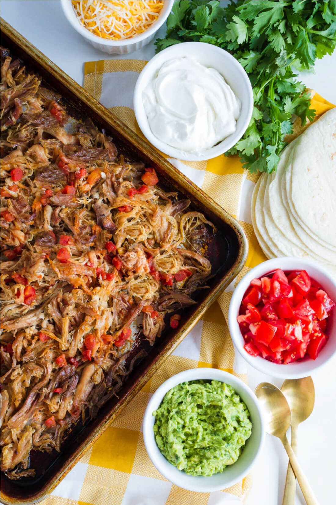 Full of flavor with a little spice, this Pork Carnitas recipe is a tasty Mexican favorite. www.thirtyhandmadedays.com