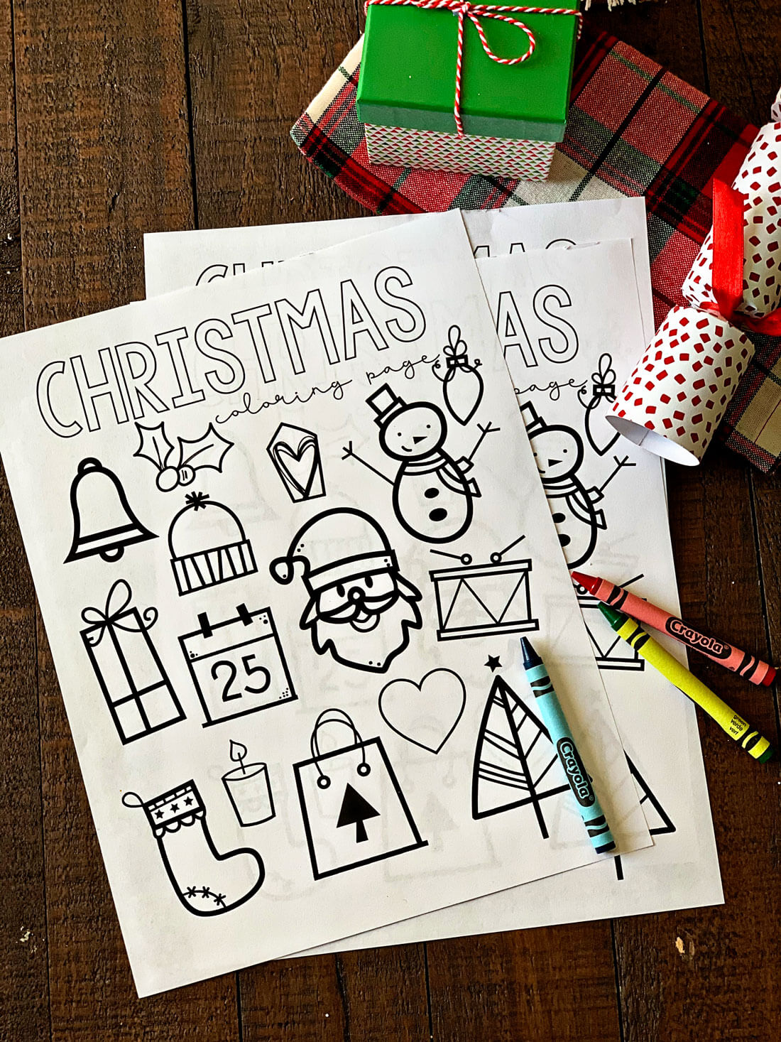 Printable Christmas Coloring Pages - print out these coloring pages for kids! www.thirtyhandmadedays.com