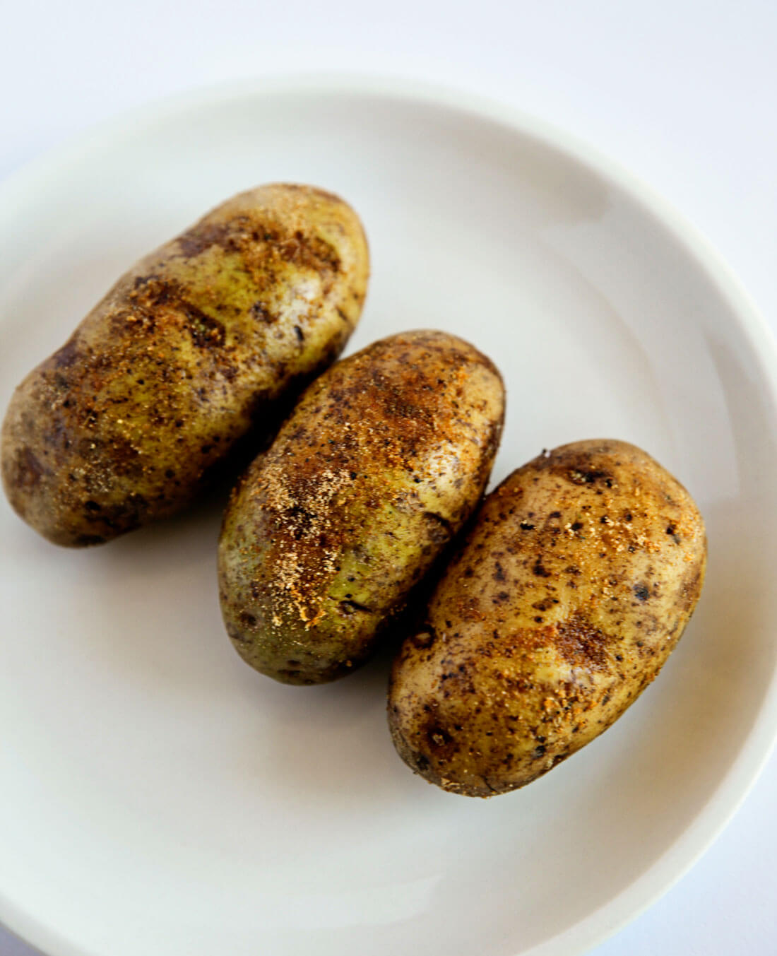 How to make baked potatoes in the air fryer