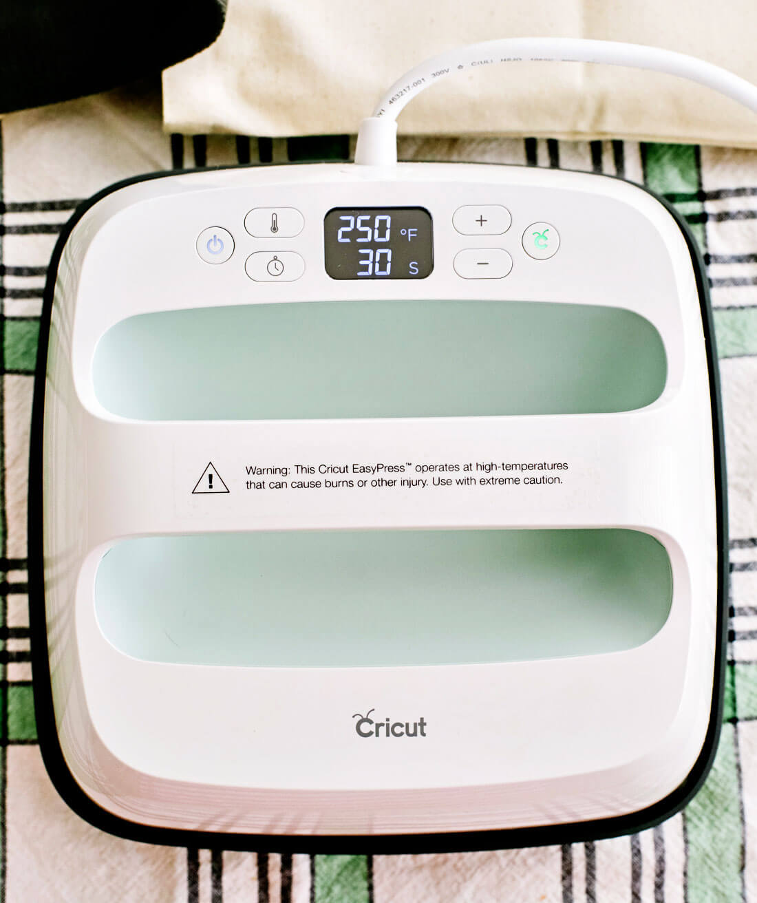 How to use the Cricut Easy Press 2
